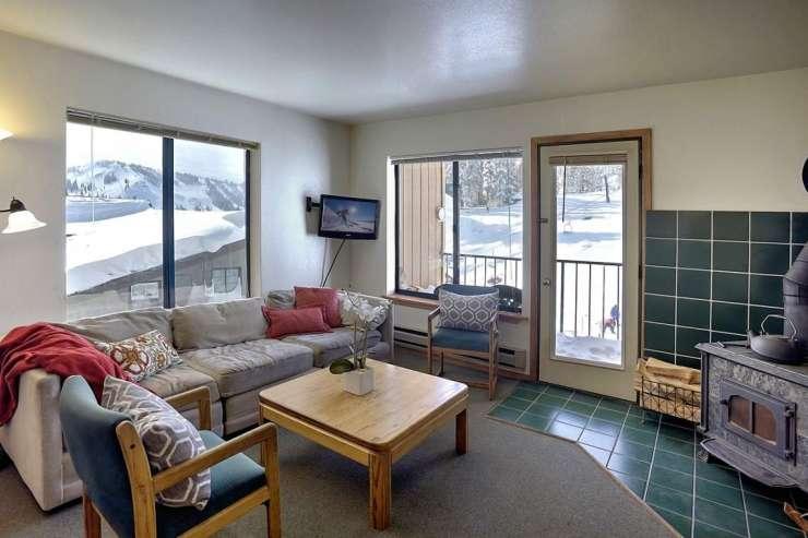 10150 Ski Ranch Lane, Unit #101
