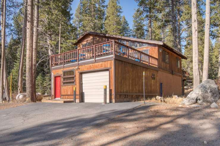 21084 Donner Pass Road, Soda Springs