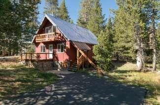 4225 Lake Drive – Serene Lakes