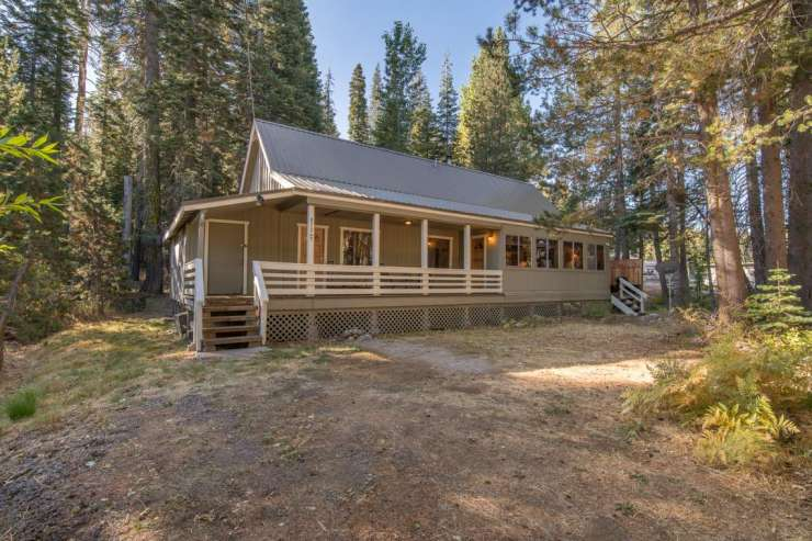 51247 Donner Pass Road,  Soda Springs
