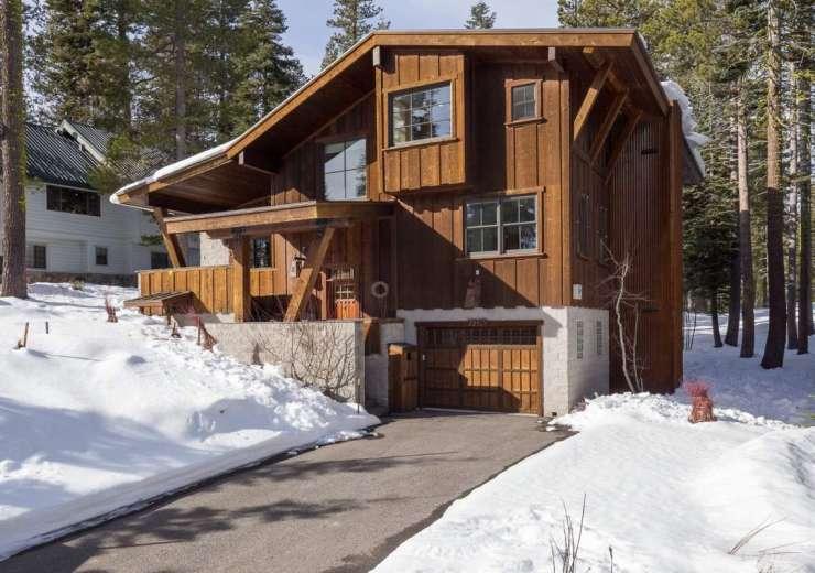 7465 Hillside Drive, Serene Lakes