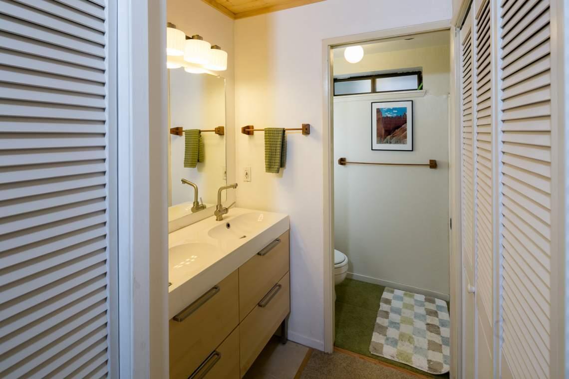 Acorn bathroom furniture - 7909_acorn 18 Mls Web