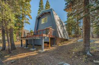8325 Cascade Road, Serene Lakes