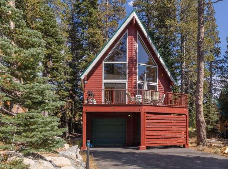 8444 Hillside Drive, Serene Lakes